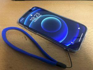 iPhone12ストラップ