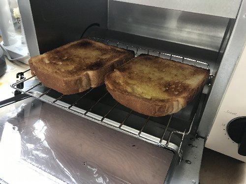ニトリのトースターで焼いたパン