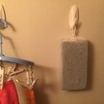 お風呂用フック スポンジやアカスリを吊るそう 耐水粘着タブ使用キレイにはがせる