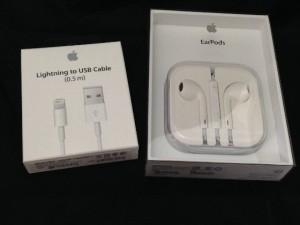 Apple Online Storeで純正イヤホンマイクとLightningケーブルを初めて購入