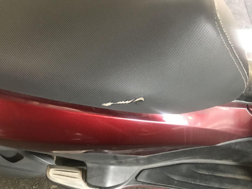 バイクシート破れ
